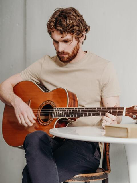 home-guitar-image-box-02